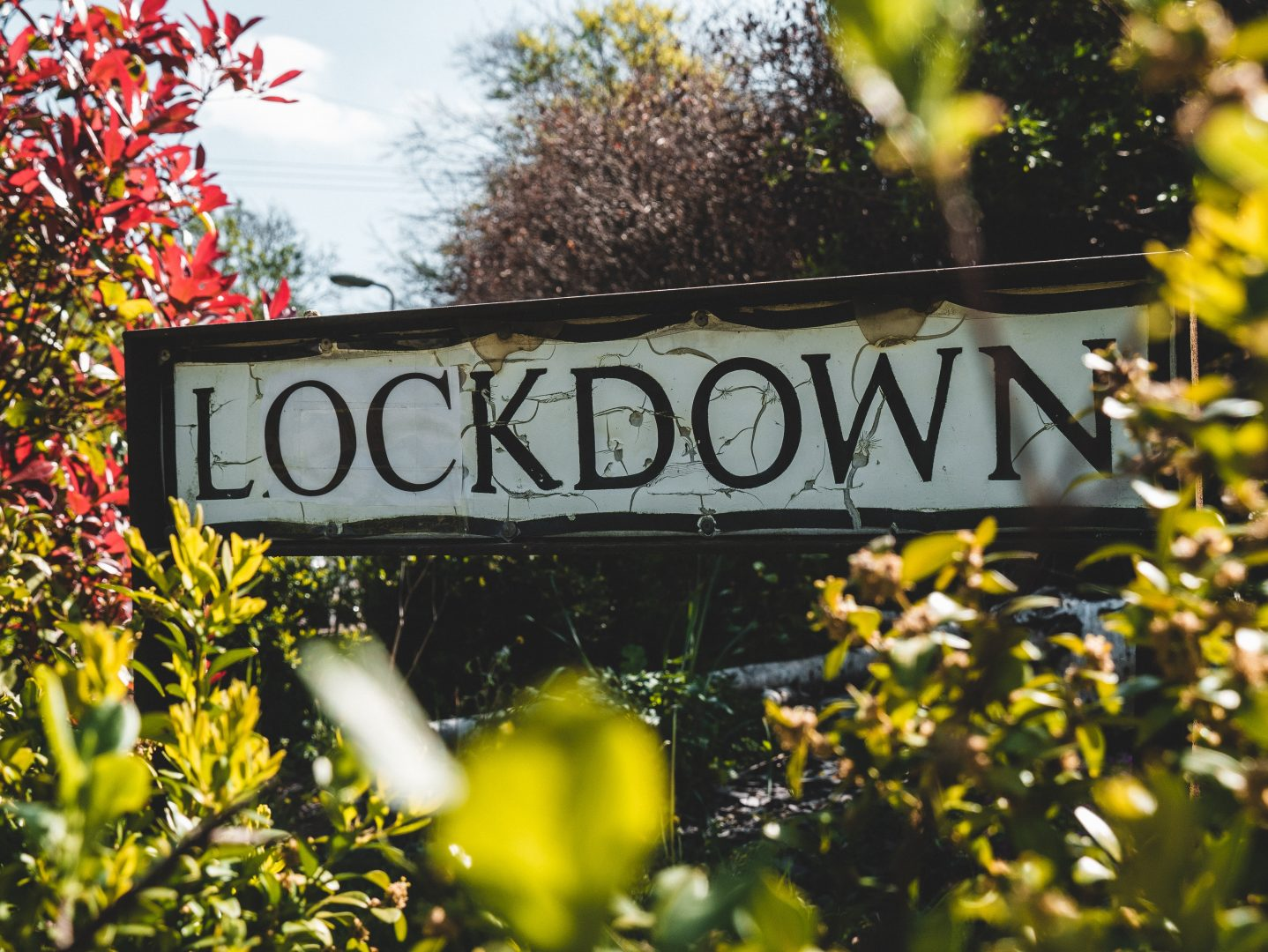 outdoor lockdown sign